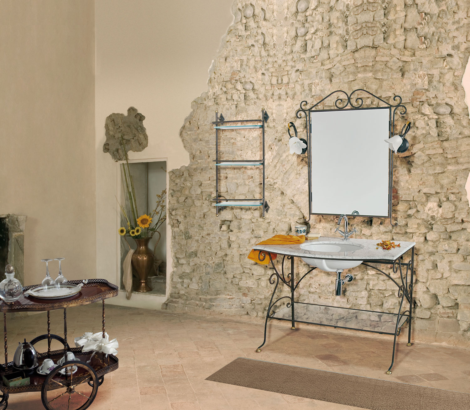 Stunning ferro battuto cmfb finitura ruggineoro con top in marmo di carrara base a terra con for Mobili in ferro vintage